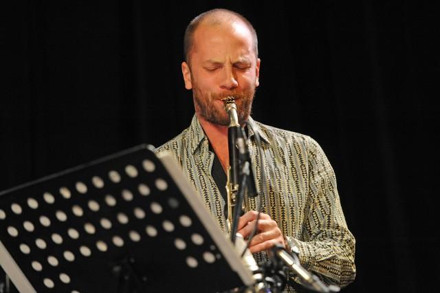 Wacław Zimpel przedstawi w piątek wieczorem muzykę z nowej płyty nagranej z grupą Saagara