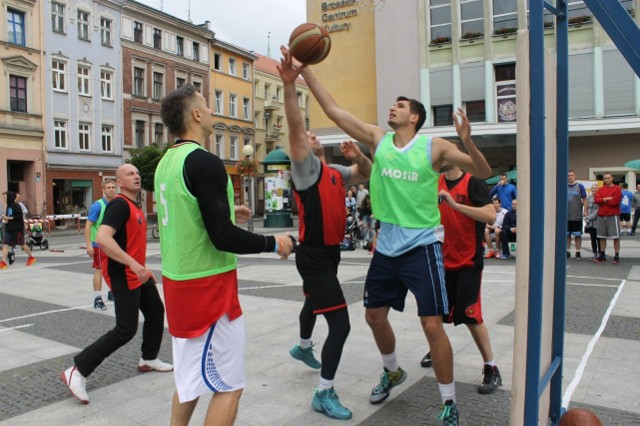 Turniej rozgrywany jest na boiskach przed Brzeskim Centrum Kultury.