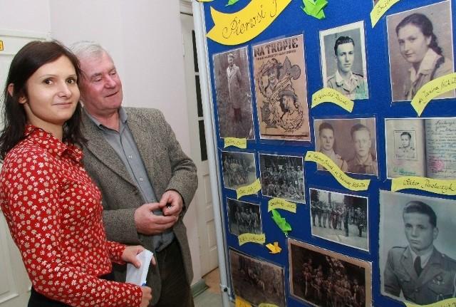 - Wystawa cieszy się sporym zainteresowaniem mieszkańców - zapewniają Anna Chudzińska z magistratu i przewodniczący rady miejskiej Stanisław Ziemecki.