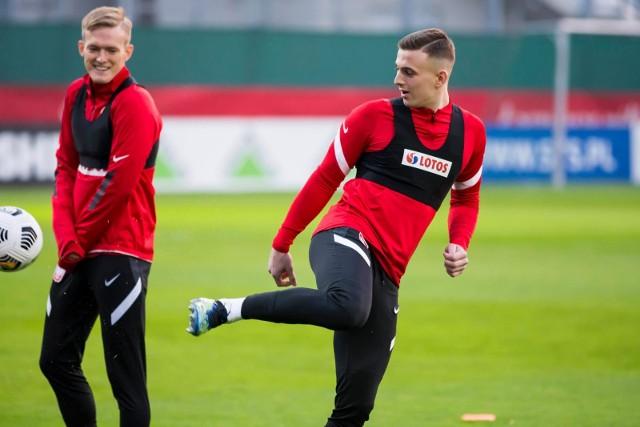 Kacper Kozłowski na treningu reprezentacji Polski.