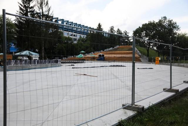 Budowa wodnego placu zabaw w parku Jordana
