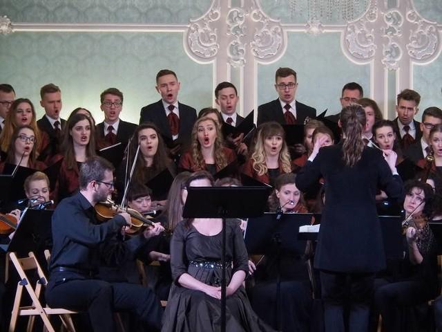 Chór Uniwersytetu Medycznego w Białymstoku, Zespół Muzyki Dawnej Diletto i soliści wystąpią w Auli Magna pod dyrekcją Anny Moniuszko