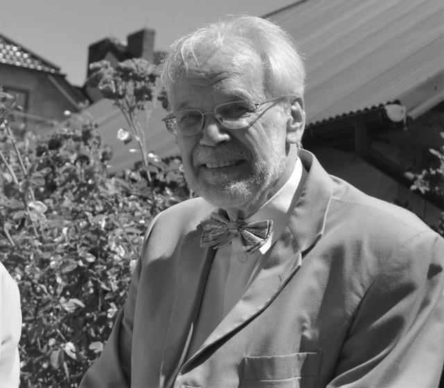 Dr Lurids Holscher w ogrodzie biblijnym w Proszowicach