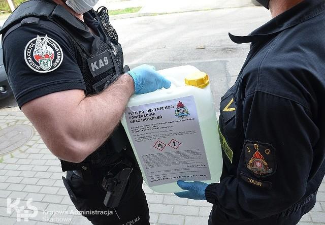 Nielegalny alkohol będzie teraz służył strażakom do dezynfekcji.