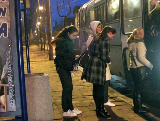 Czy usteckie przystanki autobusowe w przyszłym roku opustoszeją? Pasażerów linii miejskiej czeka podwyżka cen biletów.