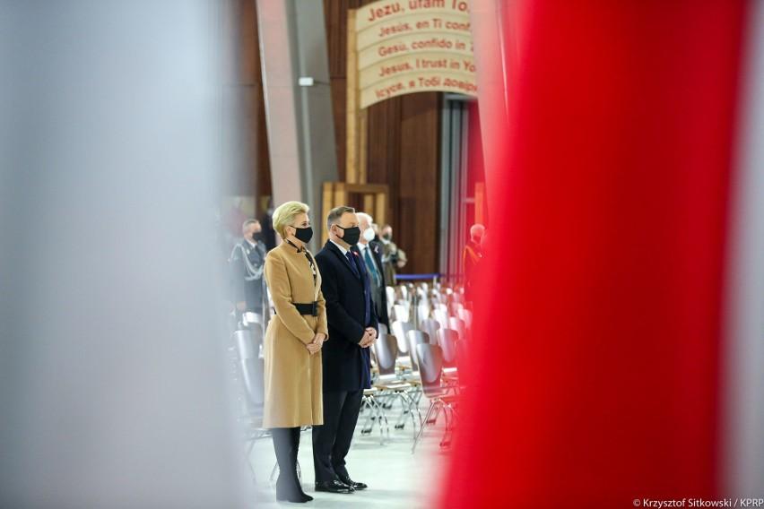 Prezydent Andrzej Duda: Dziś 11 listopada jak co roku obchodzimy święto, ale jest to dla nas wszystkich wyjątkowo trudny czas