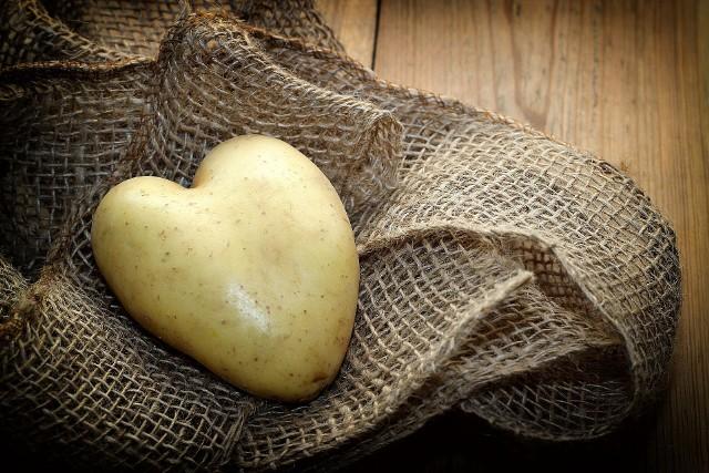 Ziemniaki zawierają cenne minerały i witaminy, dzięki którym możemy je wykorzystać na wiele ciekawych sposobów.