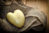9 zaskakujących zastosowań ziemniaka. Do czego wykorzystać wodę po gotowaniu tego warzywa!