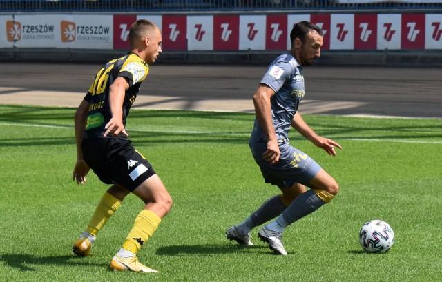 Andreja Prokić (przy piłce) zdobył bramkę, a także asystował przy trafieniu Damiana Michalika