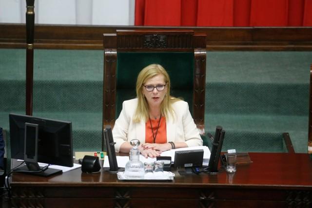 Wydatki na podróże służbowe polityków. Rekordzistką Małgorzata Gosiewska