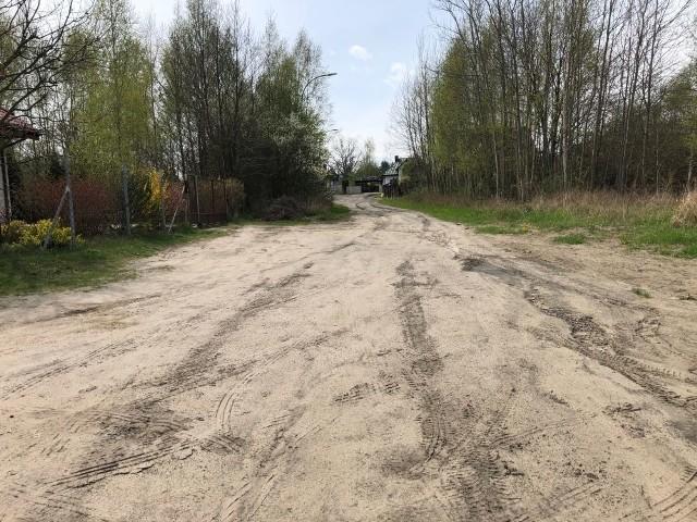 Przebudowana będzie między innymi ulica Asnyka na osiedlu za ulicą Polną w Białobrzegach. W ubiegłym roku został tam wykonany kanał deszczowy.
