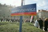 Wrocław: Skwer przy Sienkiewicza już oficjalnie nosi imię Anny Walentynowicz (ZDJĘCIA)