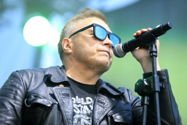 Muniek Staszczyk z grupy T.Love uważa, że pomysł zwiększenia ilości polskiej muzyki w radiu jest dobry