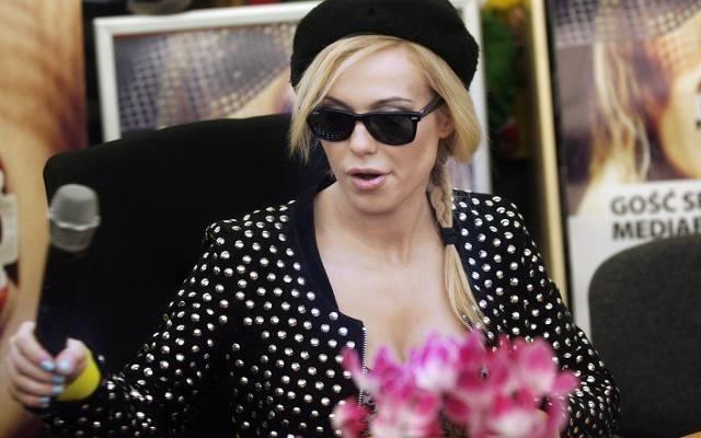 Doda dała się nabrać oszustom, zbierającym rzekomo pieniądze dla rodziny Tomasza Mackiewicza.