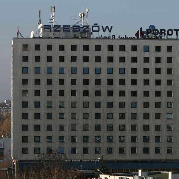 Im bliżej rozpoczęcia budowy centrum kongresowo-wystawienniczego przy hotelu Rzeszów, tym więcej kłopotów.