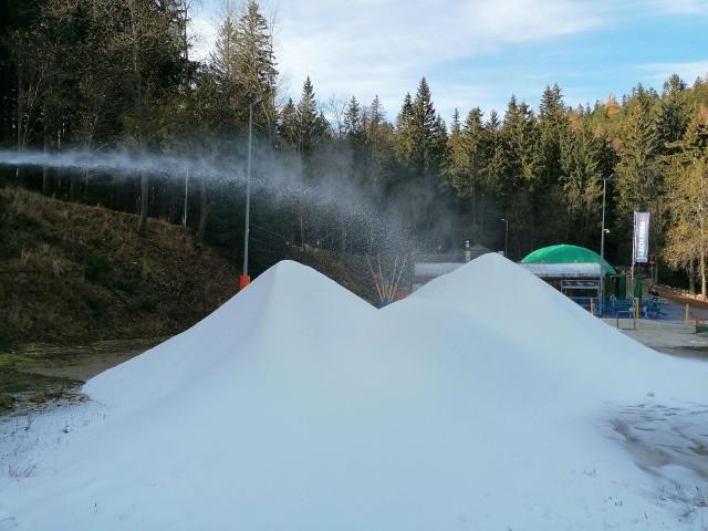 W Karpaczu rozpoczęła się produkcja śniegu