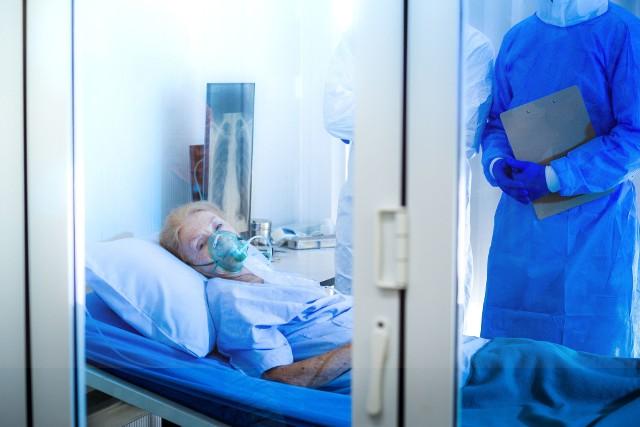 Coraz częściej stwierdzanym powikłaniem choroby koronawirusowej jest powstawaniem zakrzepów krwi, które mogą przyczyniać się do rozwoju niewydolności narządów i zgonu pacjenta