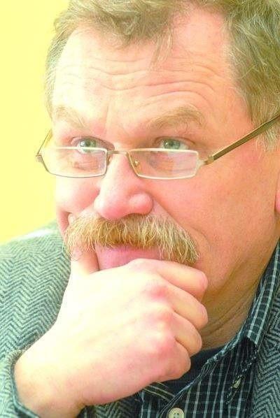 """Jacek Deptuła, autor komentarza """"W samo południe"""""""