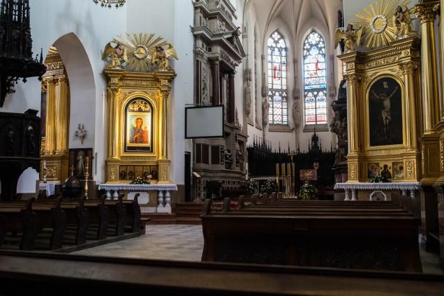 Bazylika katedralna pod wezwaniem Narodzenia Najświętszej Maryi Panny w Tarnowie zachwyca bogatymi zdobieniami i kilkusetletnią architekturą