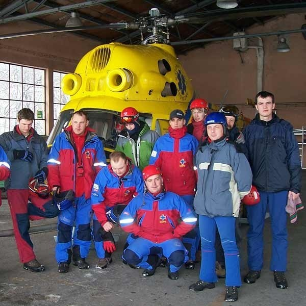 Śmigłowiec Mi-2 wykorzystywany jest m.in. w wypadkach komunikacyjnych, akcjach ratunkowych w górach, transporcie chorych, do których nie może dojechać karetka.