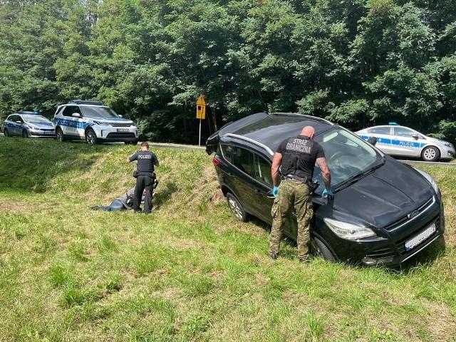 Pogranicznicy odzyskali skradzione auto i zatrzymali kierowcę