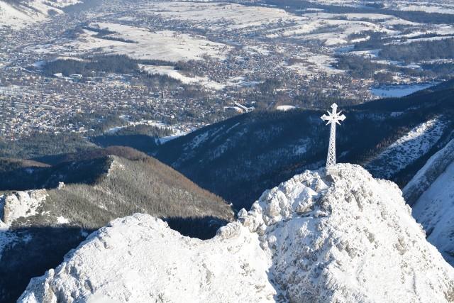 Krzyż na Giewoncie. Zdjęcie ilustracyjne