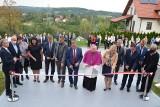 Dziekanowice. Z ponadstuletniego budynku szkoła przeniosła się do nowego