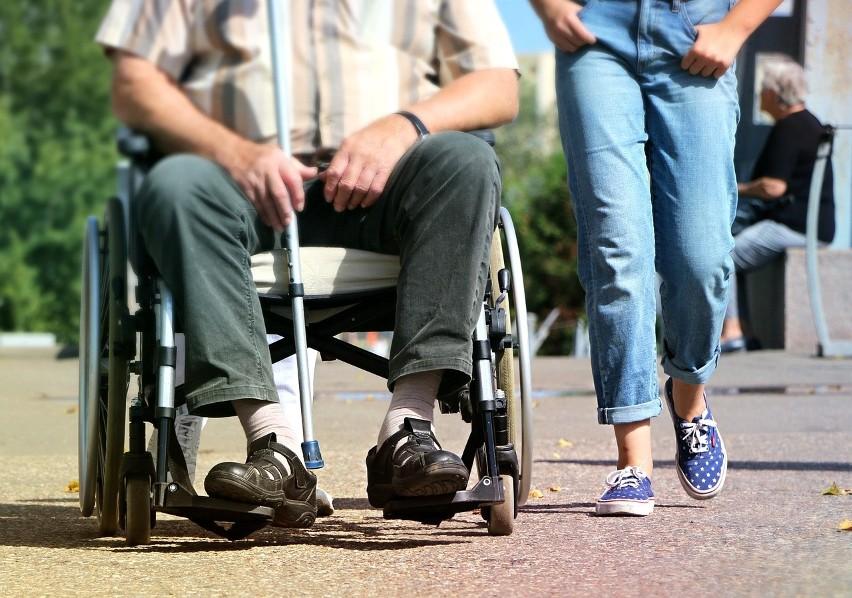 """""""500 plus"""" w KRUS dla niepełnosprawnych, czyli osób niezdolnych do samodzielnej egzystencji"""