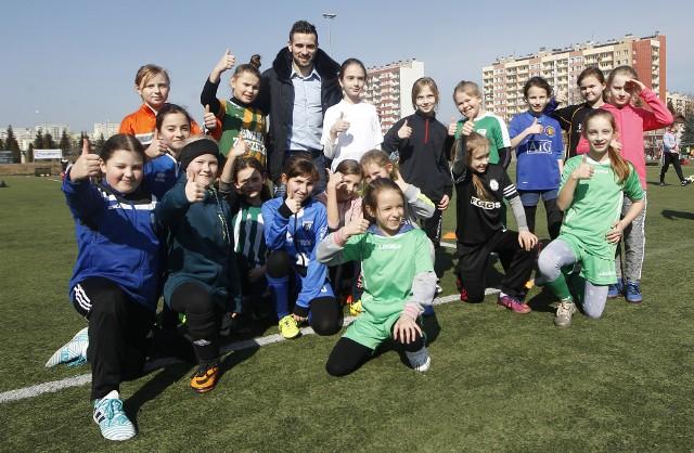 W sobotę na stadionie Resovii odbył się Camp piłkarski. Gośćmi tej imprezy byli Bartłomiej Zalewski, trener reprezentacji Polski U-14 i U-17 oraz Maciej Makuszewski, zawodnik Lecha Poznań i kadry narodowej Adama Nawałki.