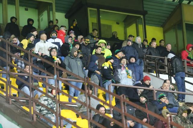 Niewielu kibiców zdecydowało się na przyjście na stadion GKS Katowice, by zobaczyć mecz z Garbarnią Kraków. Atmosfera na trybunach była kiepska
