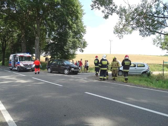 Na drodze krajowej nr 20 między Tuchomiem a Tuchomkiem zderzyły się dwa samochody osobowe. Na szczęście nic poważnego nikomu się nie stało.