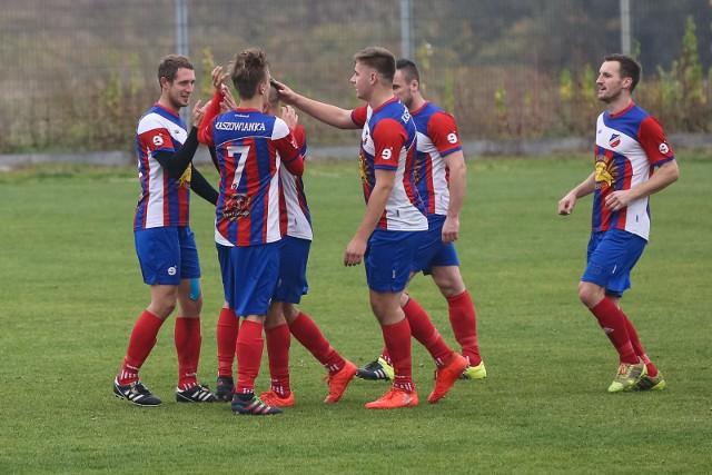 Piłkarze Kaszowianki obronili 1. miejsce w tabeli