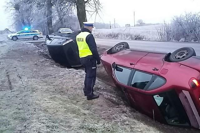 Wczoraj rano w Zamku Bierzgłowskim do rowu wpadły dwa samochody. Nikt nie odniósł obrażeń.
