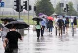 Podatek od deszczu będzie wyższy. Kto musi płacić podatek od deszczu i obejmie więcej Polaków. Kto zapłaci nowy podatek deszczowy?
