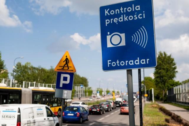 W ubiegłym roku zarejestrowano więcej naruszeń przepisów drogowych niż wystawiono mandatów.