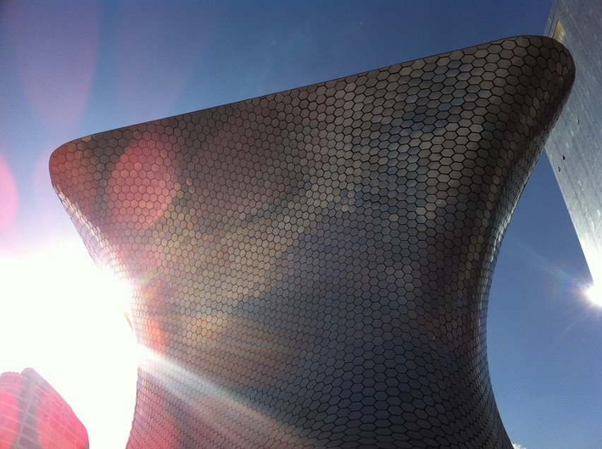 Otwarte w 2011 r. Museo Soumaya w mieście Meksyk. 46-metrowy...