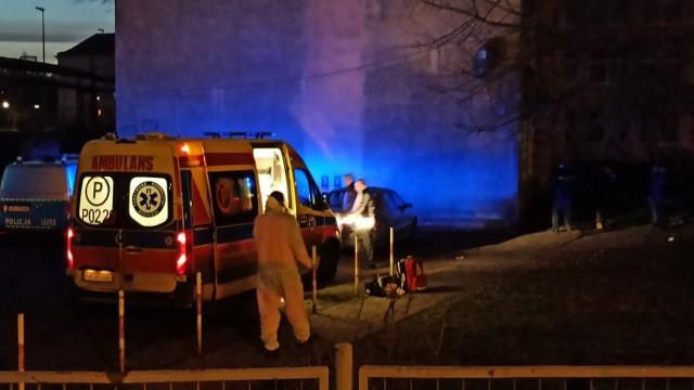 Policja w Kaliszu została wezwana do jednego z mieszkań. Okazało się, że znajdowały się w nim zwłoki dwóch osób - 59-letniej kobiety i 60-letniego mężczyzny.