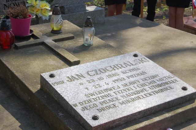 Prof. Jan Czochralski spoczywa na starym cmentarzu w Kcyni
