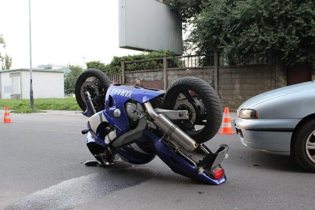 Motocyklista został ranny w wypadku na Radwańskiej w Łodzi