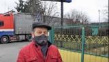 Nowe rondo znajdzie się 1,5 metra od domu. Mieszkaniec ulicy Domaszowskiej w Kielcach oczekuje wykupu działki [WIDEO]