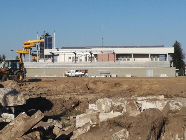 Remont i rozbudowa stadionu miejskiego w Oleśnie.