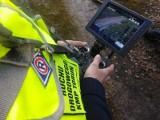 Toruń. Policja łapie przestępców z drona! Zobacz co potrafią kamery i jak działa mobilny monitoring [wideo]