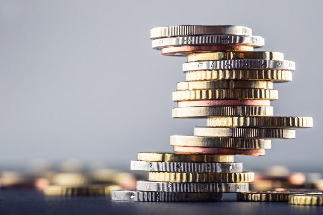 W marcu Polacy trzymali na lokatach i bankowych rachunkach ponad 850 mld zł. To o 14 mld więcej niż przed miesiącem.