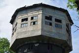 Wodzisław Śląski: wyremontowany dworzec perełką, ale w wokół ruiny ZDJĘCIA