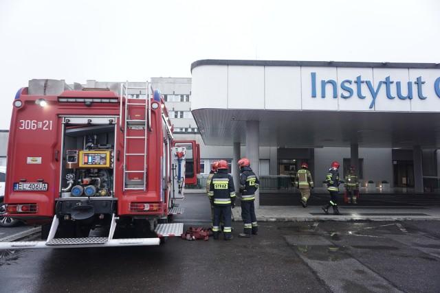 Pożar szachtu instalacyjnego w Instytucie Centrum Zdrowia Matki Polki w Łodzi. Pożar wybuchł w poniedziałek (4 stycznia) przed godz. 9.