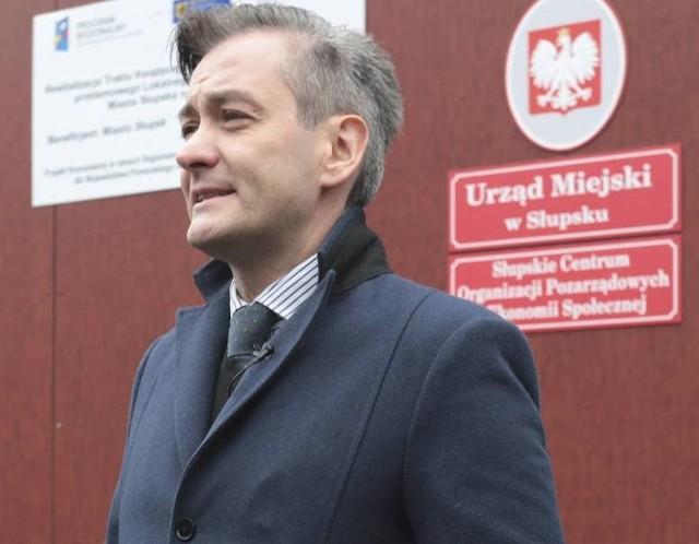 Zagraniczne wyjazdy prezydenta Słupska stanęły na wczorajszej sesji rady miejskiej.  Dziś prezydent jest we Francji.