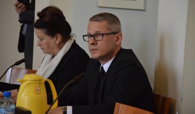 Waldemara Wyczachowskiego, starostę bełchatowskiego, od 1 lipca czeka obniżka pensji