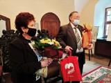 Chełmno. Małgorzata i Ryszard Hajderowie z medalem za długoletnie pożycie małżeńskie. Zdjęcia