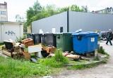 Tarnobrzeg weryfikuje, kto płaci za śmieci. Urząd chce danych od dyrektorów szkół. Rodzice zbulwersowani