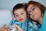 #ZostańZeMną: nowa akcja w mediach społecznościowych, która poruszyła serca tysięcy rodziców w Polsce. Zgadzacie się z lekarką?